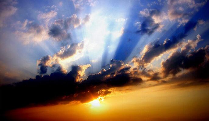 OD VÝCHODU KE KŘESŤANSTVÍ aneb: LÁSKA NEVYMAZÁVÁ NAŠE JÁ, ALE OČIŠŤUJE HO JAKO DRAHOKAM Z BLÁTA. | Nový Fénix