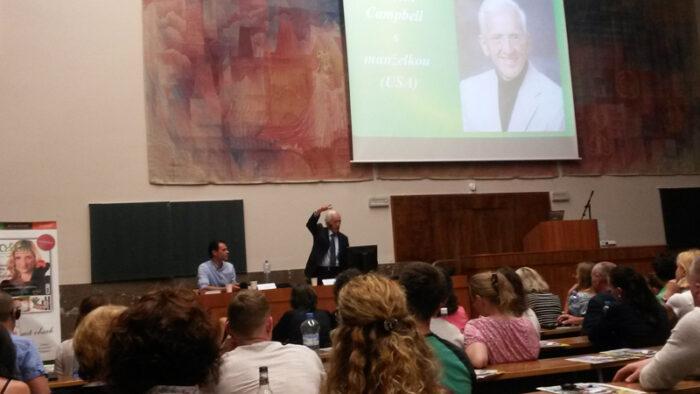 PROFESOR T. COLIN CAMPBELL, SVĚTOVÝ EXPERT NA ZDRAVÍ A VÝŽIVU PŘIJEL DO ČESKÉ REPUBLIKY | Nový Fénix