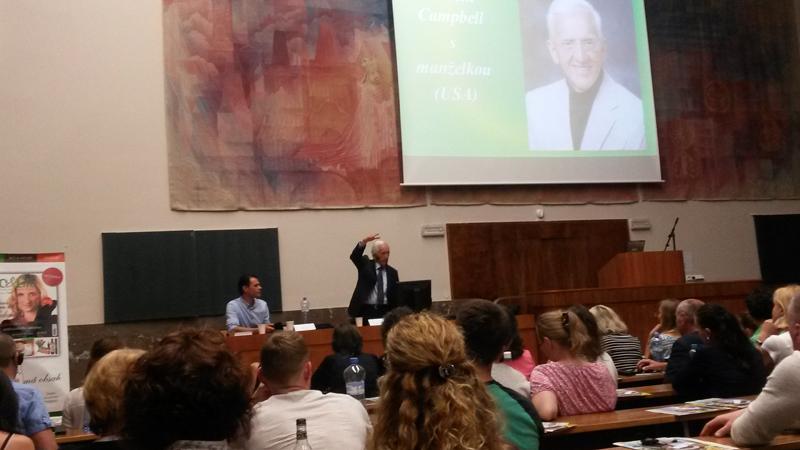 PROFESOR T. COLIN CAMPBELL, SVĚTOVÝ EXPERT NA ZDRAVÍ A VÝŽIVU PŘIJEL DO ČESKÉ REPUBLIKY