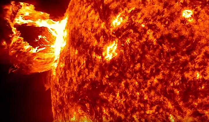 Dechberoucí snímky hvězdy, díky které existuje život