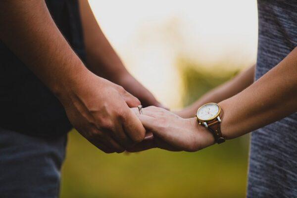 Jak na vztahové přešlapy? | Nový Fénix